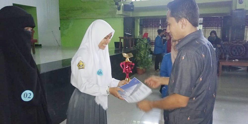 Pelajar SMA Negeri 4 Bantaeng meraih Juara I dan III di ajang Lomba Menulis Cerpen tingkat SMA di Bulukumba.