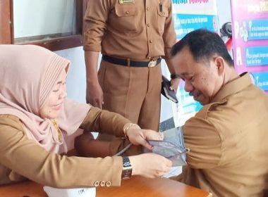 Dinkes melakukan pemeriksaan kesehatan pada ASN Bantaeng (25/02/2019).