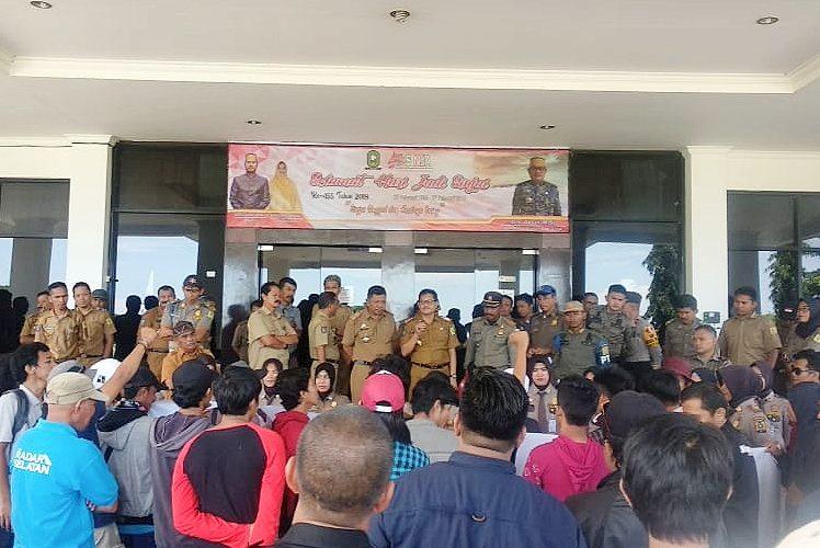 Aksi solidaritas Jurnalis di Sinjai menuntut pencopotan oknum ASN (25/02/2019).