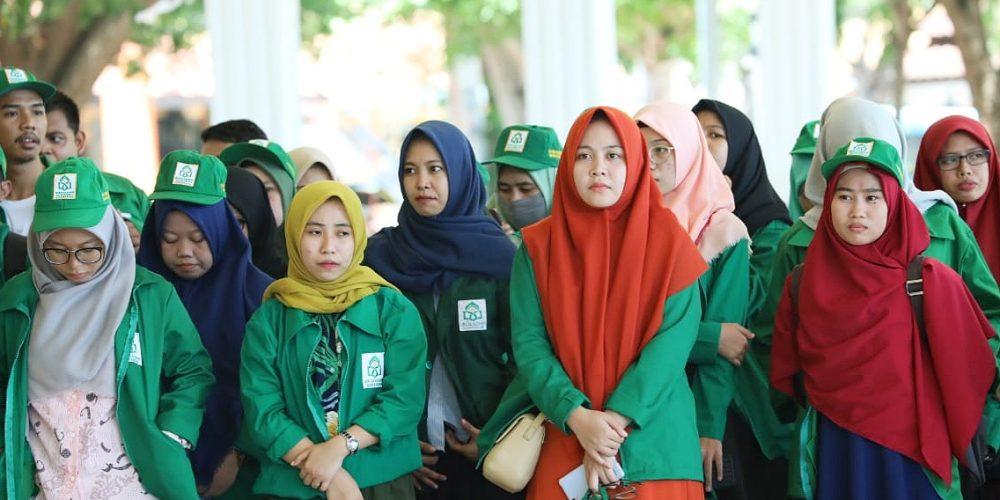 Penerimaan mahasiswa UIN Alauddin Makassar di Tribun Pantai Seruni Bantaeng (27/02/2019).