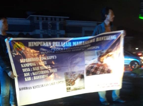 Aksi kemanusiaan HPMB di Jalan AP Pettarani Makassar (14/03/2019).