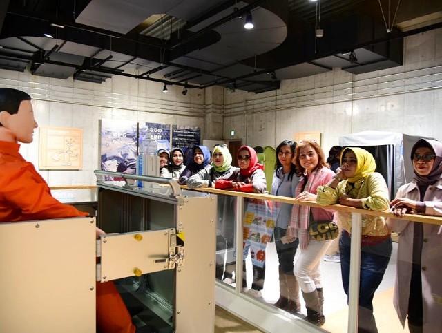 Rombongan pimpinan organisasi wanita di SulSel mengikuti simulasi bencana di Tokyo, Jepang.