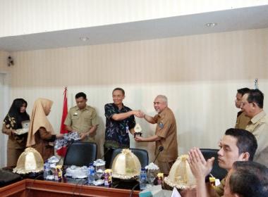 Kunjungan Pemkab Brebes untuk mendalami penanganan kemiskinan diterima Wabup Bantaeng (11/03/2019).
