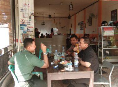 Silaturahmi unsur Forkopimda Bantaeng di warung kopi.