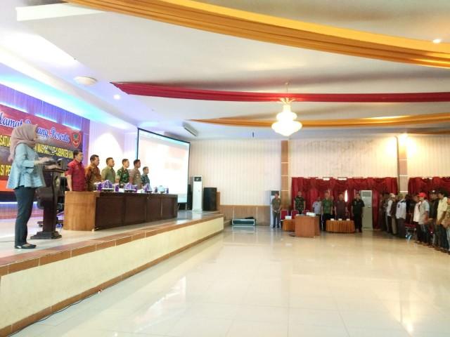 Bupati Bantaeng membuka Pembekalan Sat Linmas Kabupaten Bantaeng.
