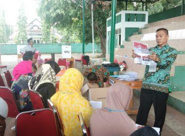 Penghitungan Suara Pemilu 2019 di TPS 04 Kelurahan Pallantikang, Kecamatan Bantaeng.