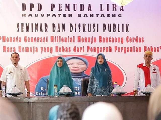 Ketua PKK Bantaeng jadi narasumber pada Seminar dan Diskusi Publik seputar Generasi Milenial.