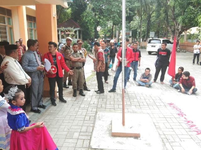 Unjuk rasa HPMB-Raya di Bantaeng.