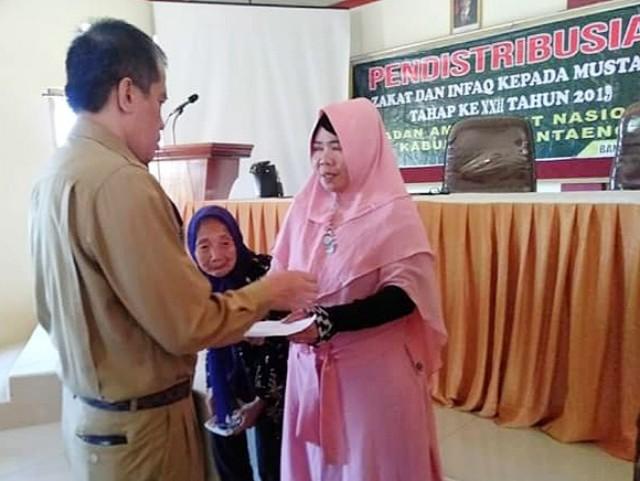 Penyerahan Zakat BAZNAS Bantaeng.