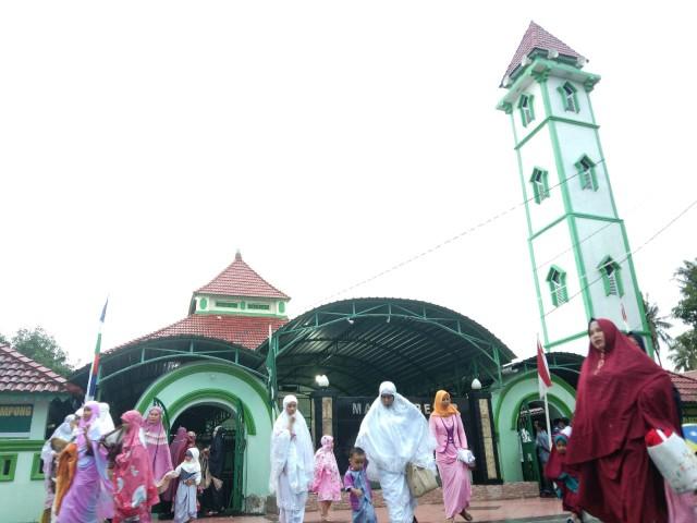 Masjid Tompong.