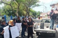 Jurnalis Bantaeng gelar demonstrasi.