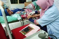 Karang Taruna Bantaeng lakukan donor darah dan penyerahan pohon.