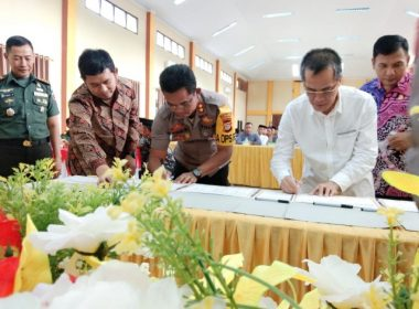 Penanda Tanganan Pakta Integritas Cakades Bantaeng.