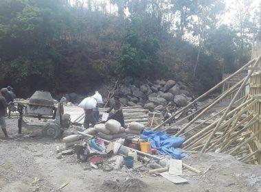 Pembangunan jembatan Batu Langgayya Bantaeng.