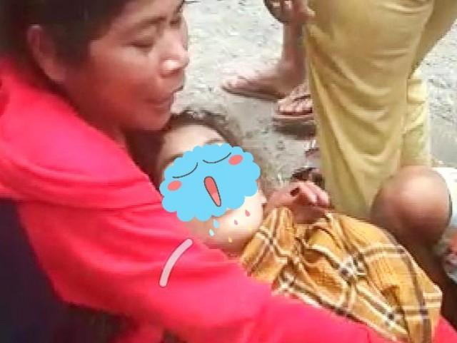 Penyelamatan korban tenggelam Batu Doli Bantaeng.