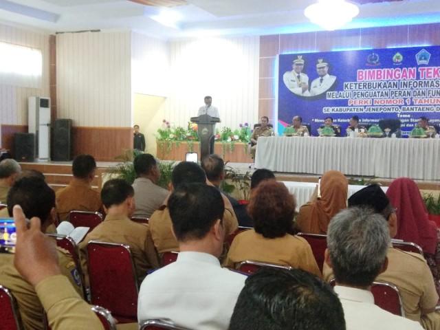 Pembukaan Bimtek Keterbukaan Informasi Publik di Bantaeng.