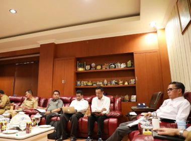 Gubernur SulSel menggelar FGD bersama 4 Pimpinan Daerah di SulSel.