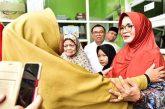 Pembagian bantuan kepada KWN Fatimah Az-Zahra.