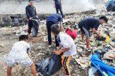 Aksi bersih pantai oleh Oi Bantaeng.