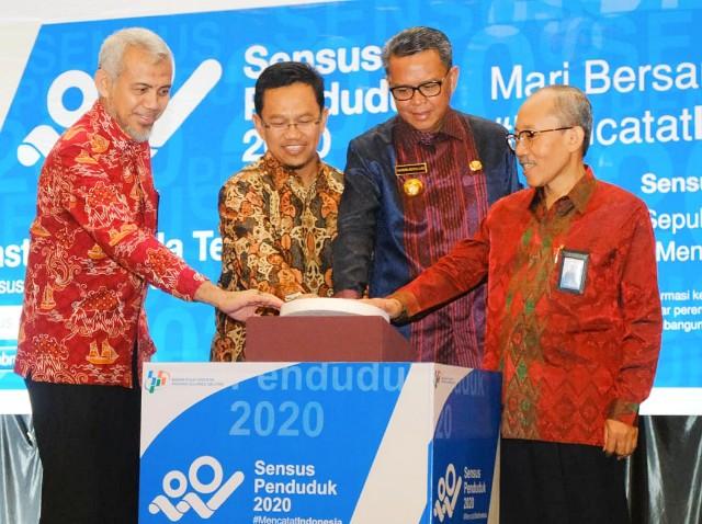Membuka Launching Sensus Penduduk 2020 SulSel.