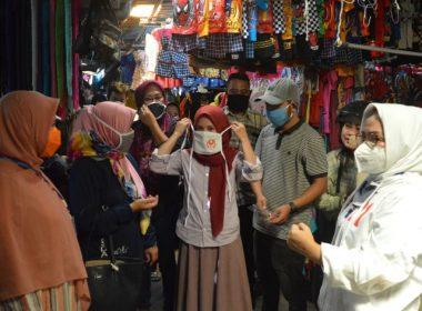 Pasar Panakkukang Dapat Pembagian Masker.