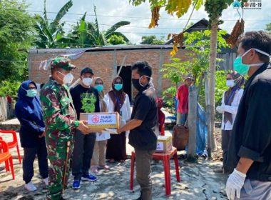 Pembagian sembako dari Pemkab Bantaeng.