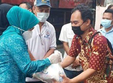 Paket sembako untuk umat Katolik Makassar dan Gowa.