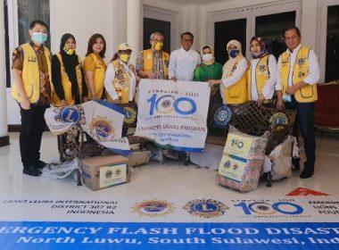 Bantuan banjir Masamba melalui PKK SulSel.