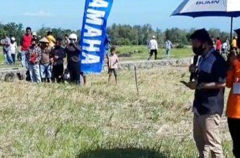 Pembukaan Festival Layang-layang Desa Tombolo.