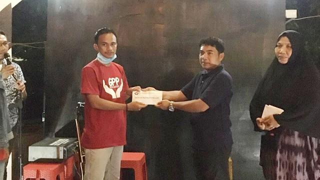 Aksi Kemanusiaan Komunitas Gerakan Pemuda Padangloang Bulukumba.