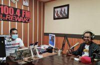 Bincang radio Rewako FM.